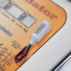 استفاده از سنسور SHT و سنسور محیطی در دستگاه جوجه کشی 40 تایی